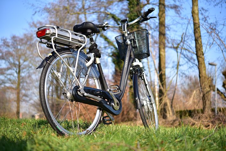 אופניים חשמליות במבצע